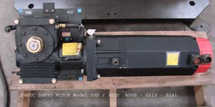 Servo-motor-30S.jpg (12267 bytes)