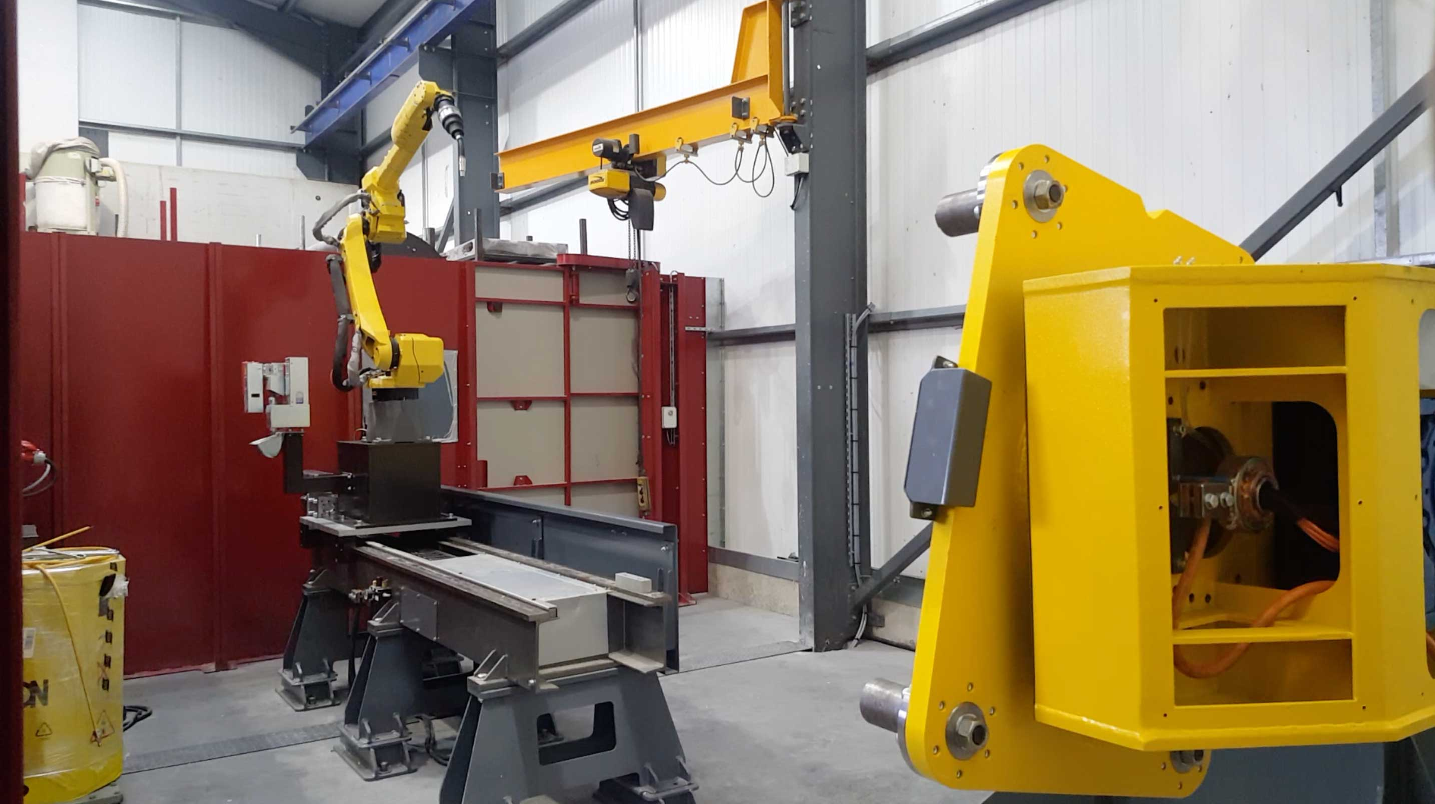 Long reach Pulsed MIG welding system with External Axis Slide and Manipulator